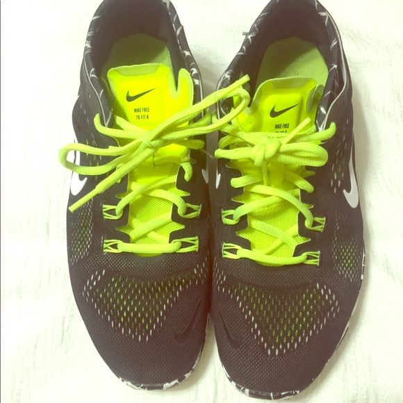 watch 0fa1e 31d66 Women Running shoes. Nike free tr fit 4. EUC! M 5adba026a44dbe22f257d7a0